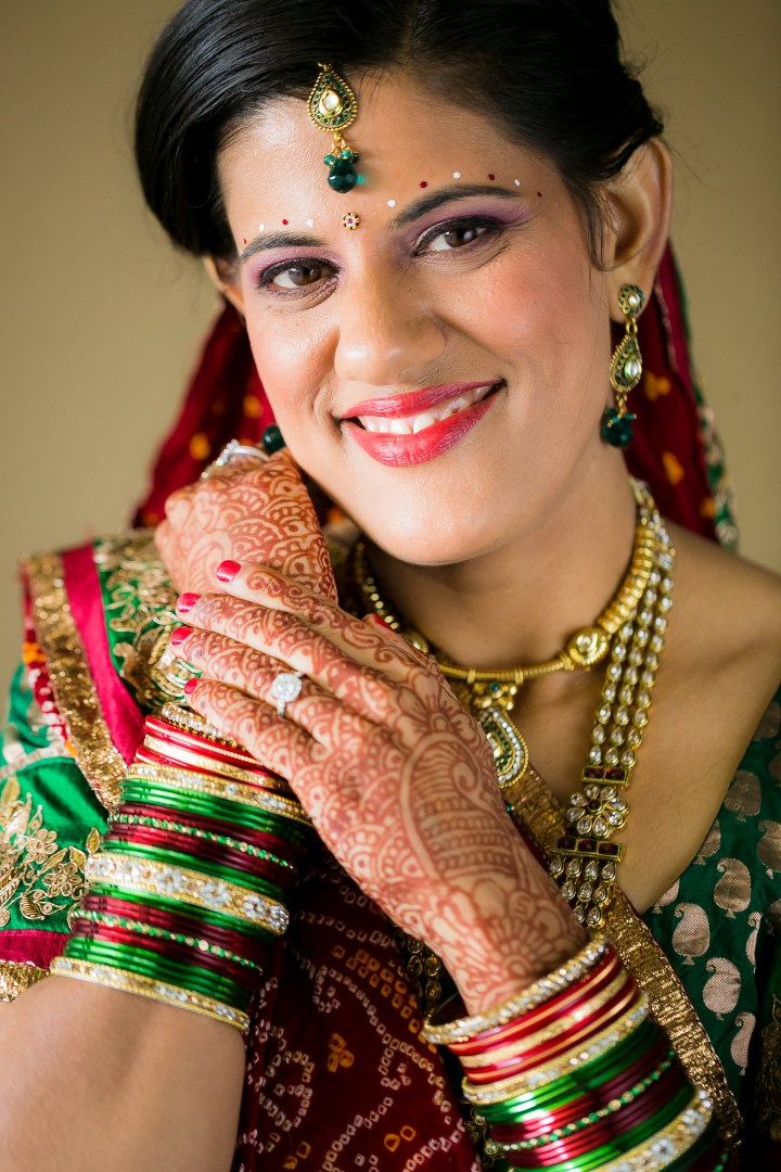 Newport_BeachMarriott-Indian-Wedding-Photography-chandlo-bindi-chudiyan-tikka-bride-dulhan-mehndi