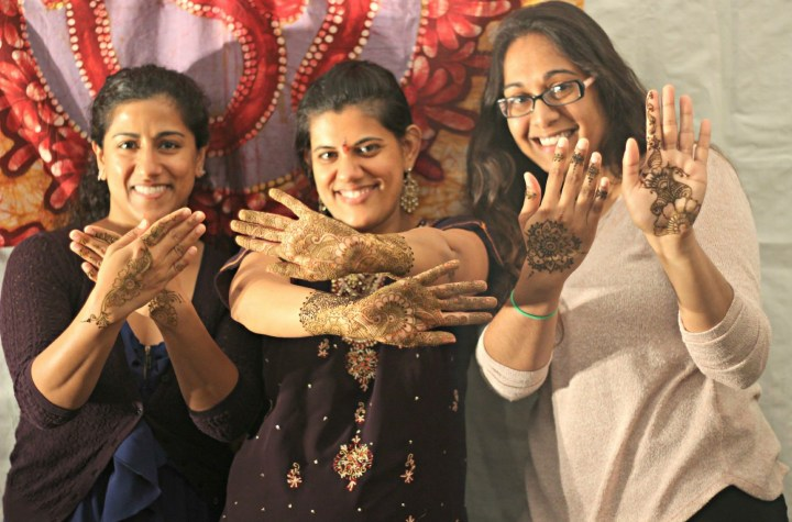 garba-sangeet-Indian-wedding-mehndi_party-bridesmaids