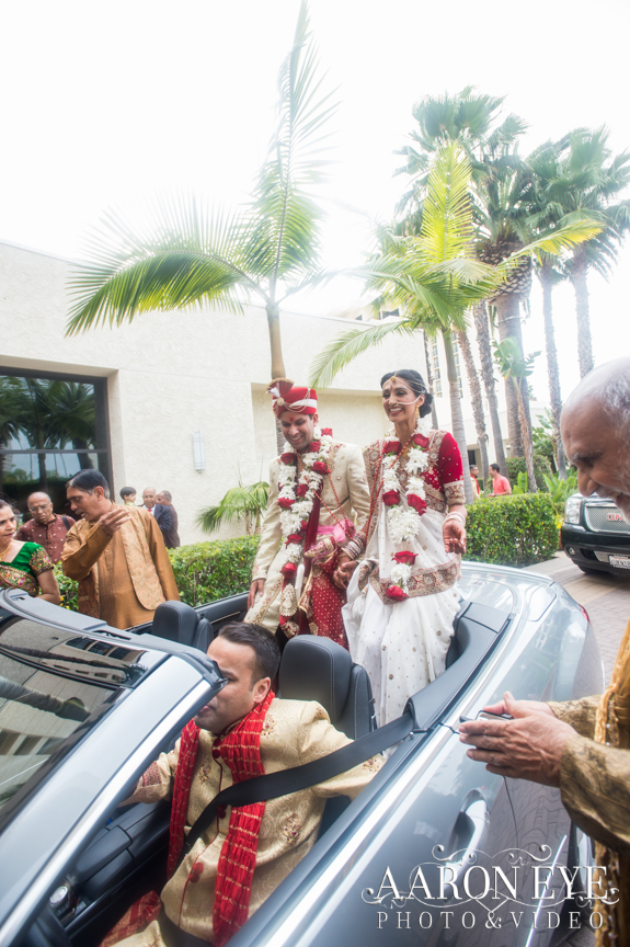 Reha-Vijay-Newport-Beach-Marriott-South-Asian-wedding-Indian_wedding-Hindu-Jain-North_Indian-Aaron-Eye-Photography-vidai