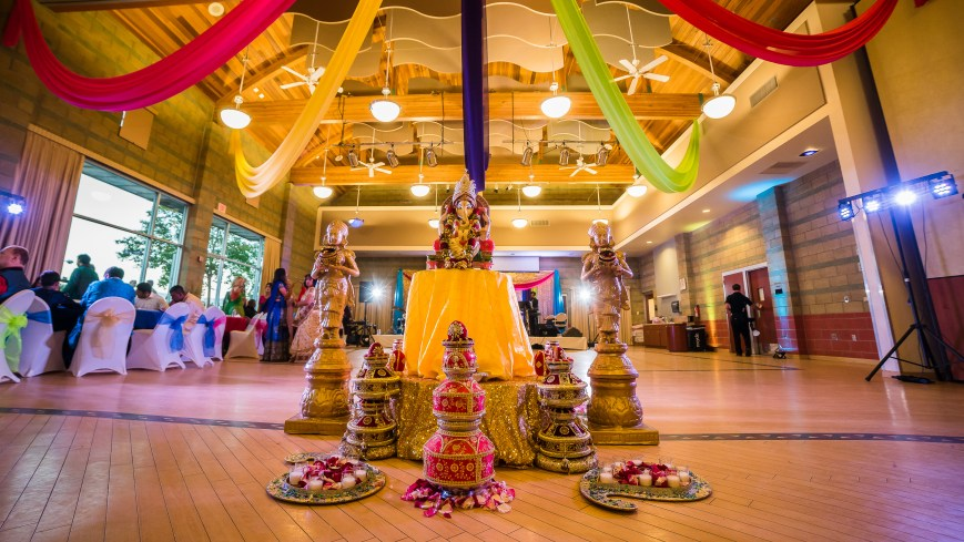 Garba for a Gujarati Hindu wedding