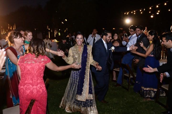 Rakhee-Amrish-gift-exchange-Indian-wedding-venue-photography-Greycard-Hindu-outdoor-dresses-bride-groom-vineyard-South-Asian-wedding-reception-Bollywood-Gujarati-Jain-Bhakta