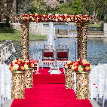 The ceremony overlooks the lagoon courtyard