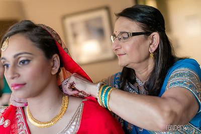 Randery-Mom-closing-dulhan-daughter-blouse-Indian-wedding