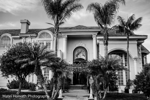 167280-000002-matei-horvath-mukti-hemant-wed-min-Ritz-Carlton-Bacara-Resort-Santa-Barbara-Indian-wedding-front-entrance