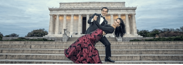 Indian bride and groom posing in front of the Lincoln Memorial in Washington D.C.