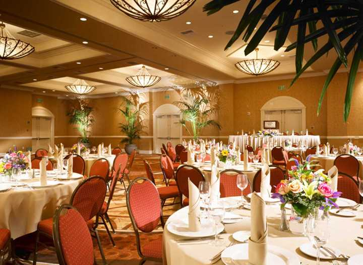 The Doubletree Suites' Anaheim reception with standard banquet chairs.