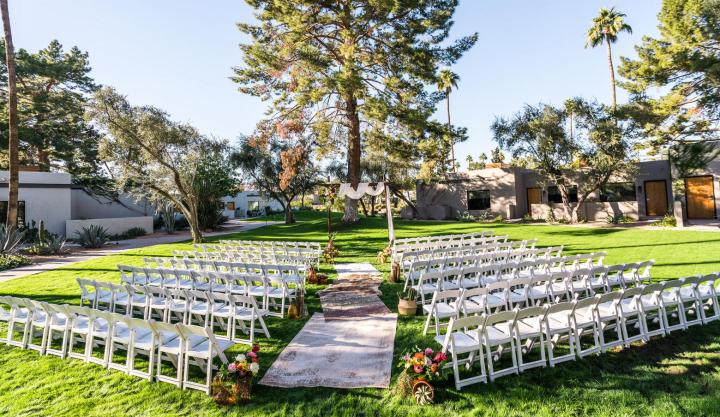 Andaz Scottsdale Resort & Bungalows chiavari chairs at outdoor wedding ceremony