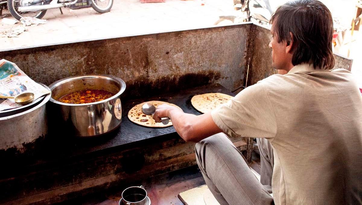 Vendeur de parathas, en Jodhpur en Inde
