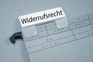 Widerrufsbelehrung: Platzierung unterhalb des Kauf-Buttons erlaubt?