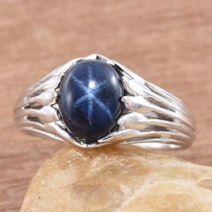Star sapphire ring in sterling silver.