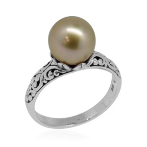 Tahitian pearl solitaire ring in sterling silver.