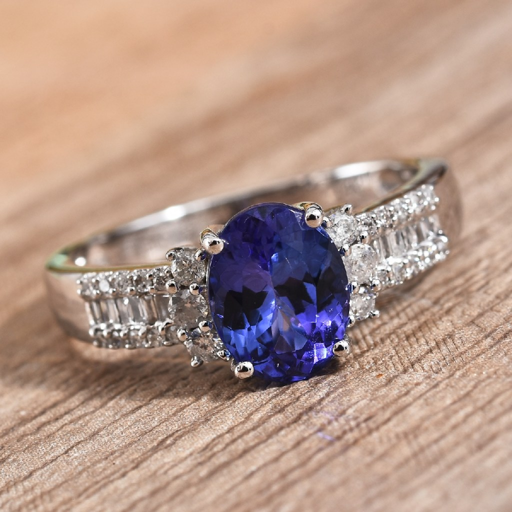 AAA tanzanite ring in white gold.