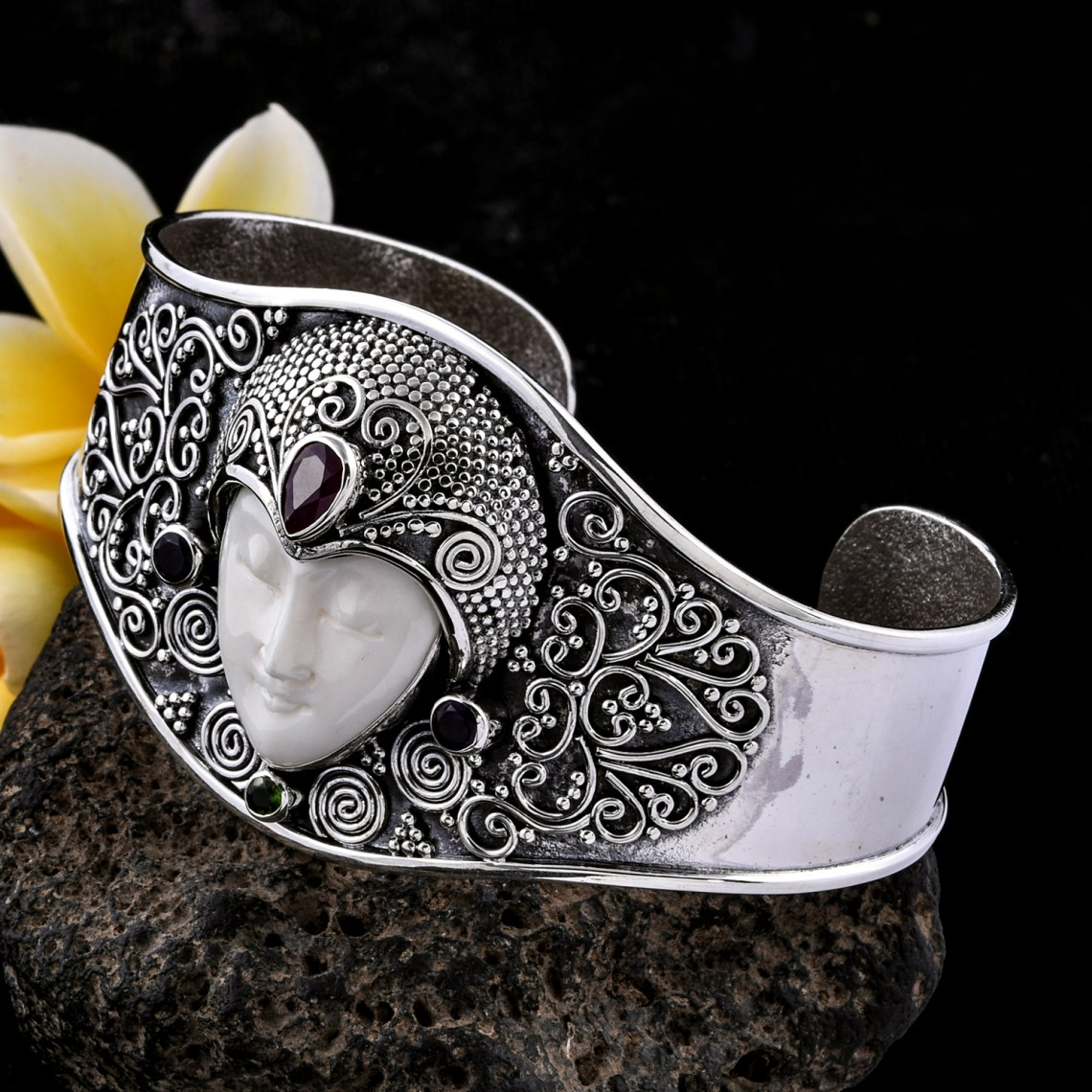 Cuff bangle hand-crafted in the Bali jewelry style.