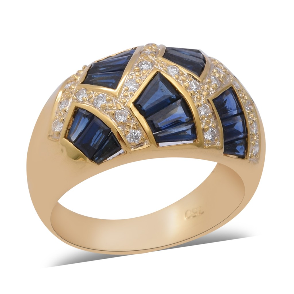 Sapphire cocktail ring in 18K yellow gold.