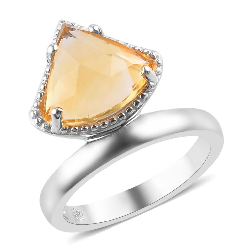 Vintage style citrine ring.