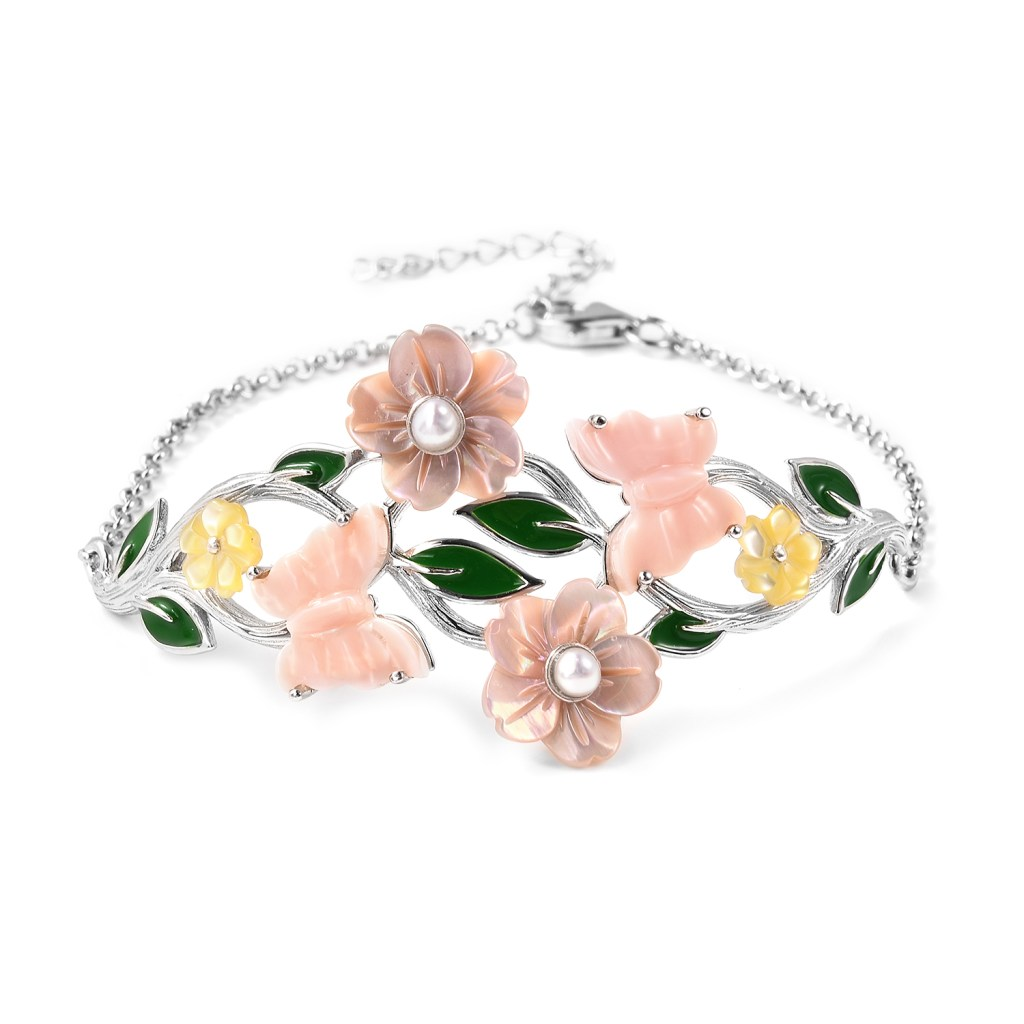 Pearl bracelet from the Jardin Collection.