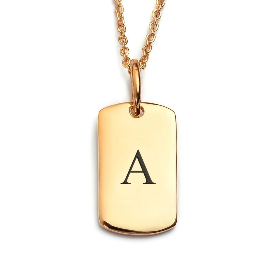 Engraved pendant in gold.