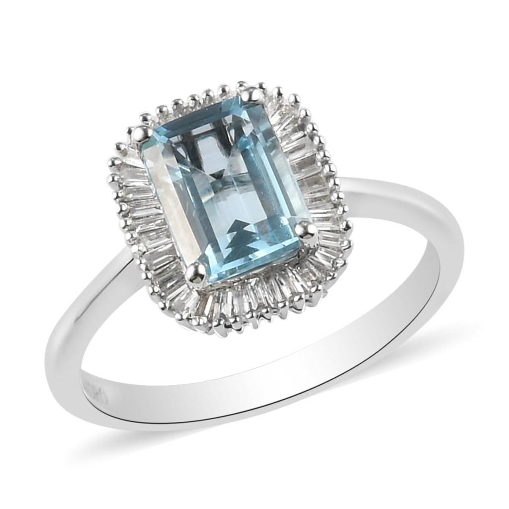 White gold aquamarine ring.