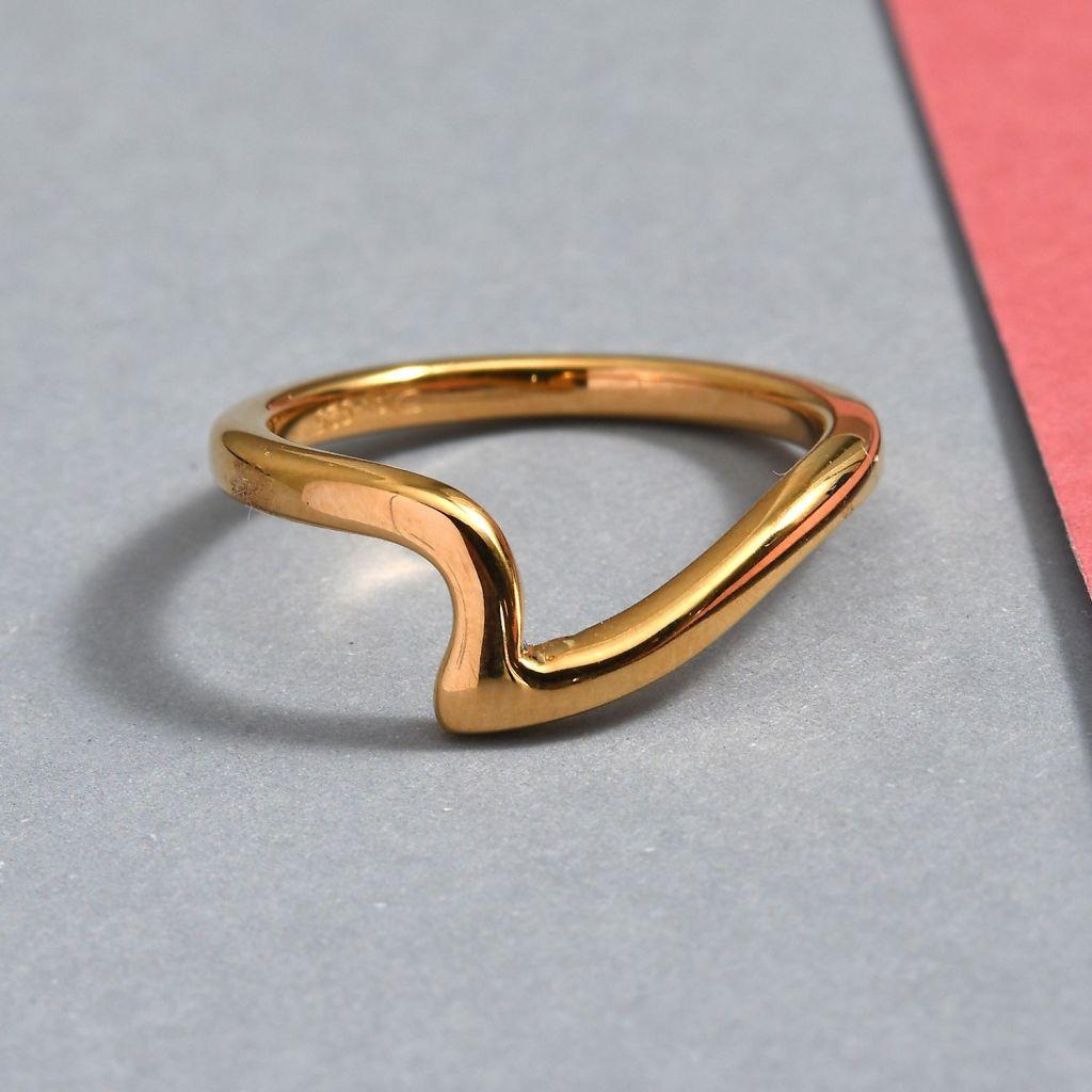 Gold vermeil wave ring.