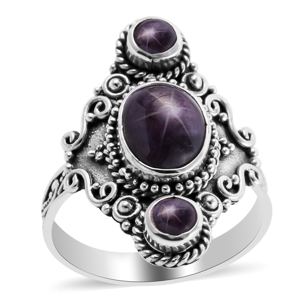 Bali ring in sterling silver.
