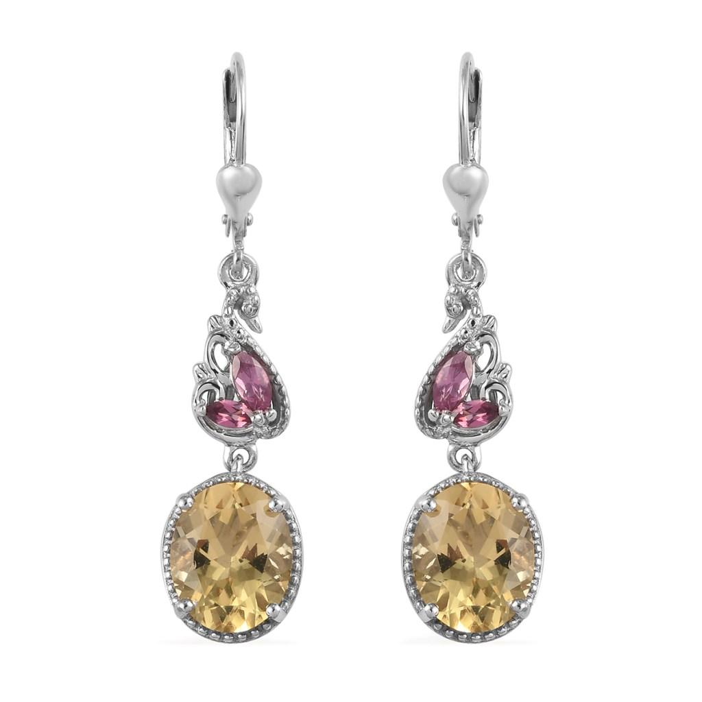 Dangle earrings in sterling silver.
