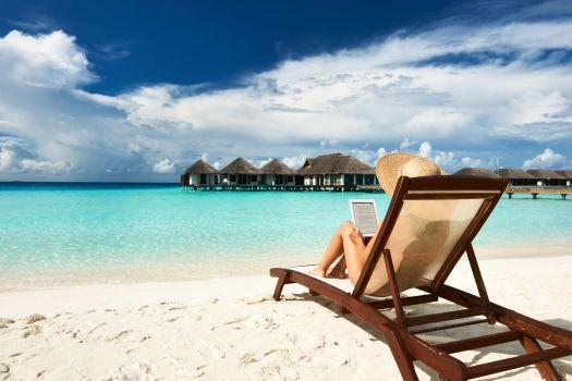 Una playa paradisíaca y tu ebook, combinación ganadora.