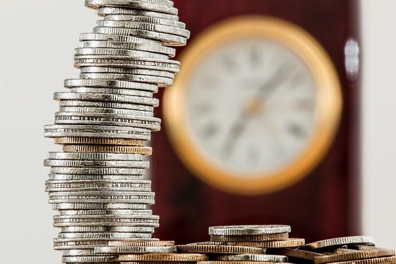 monedas y ahorrar tiempo