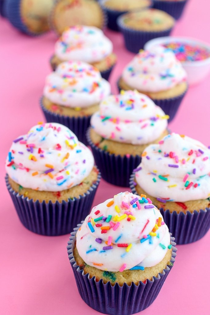 The BEST recipe for Funfetti Cupcakes! This easy cupcake recipe is homemade.