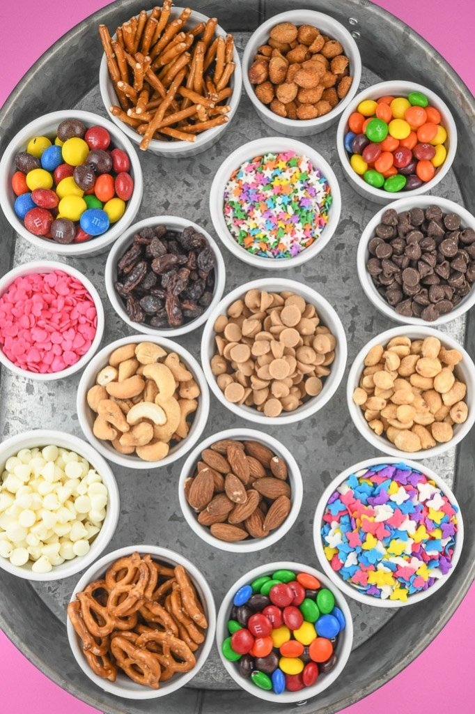 Homemade Trail Mix Recipe - Kids Trail Mix for Party Ideas