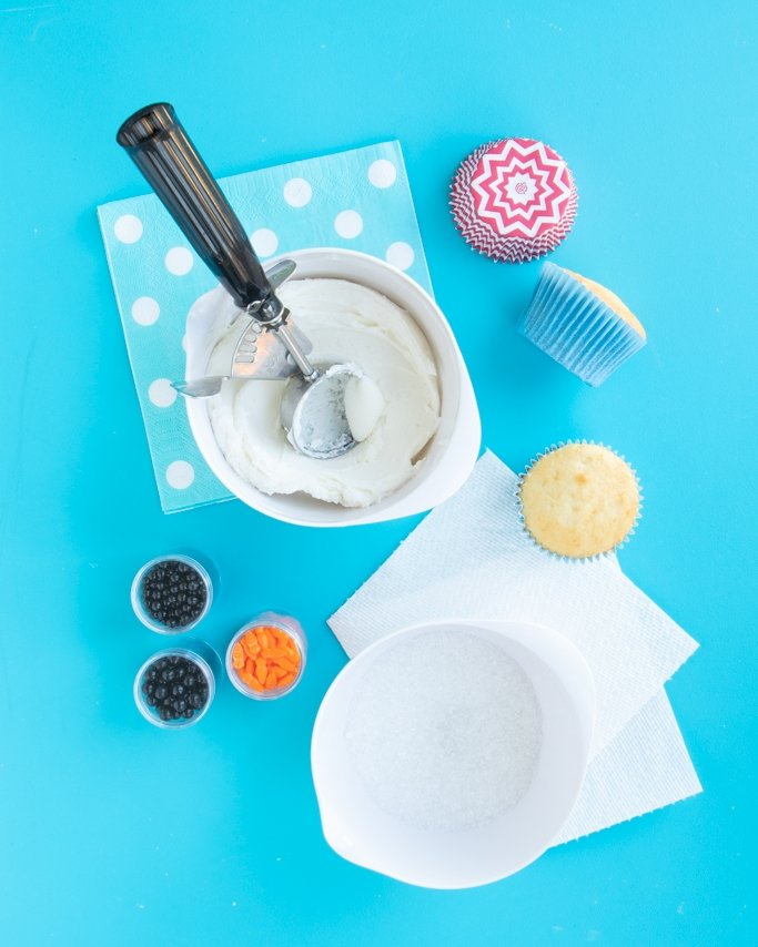 melting snowman cupcakes tutorial ingredients