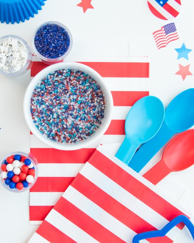 4th of July sprinkle mix and patriotic party supplies.
