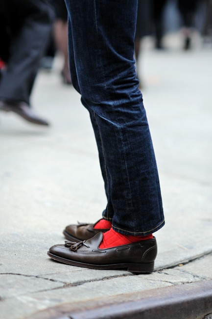 mod-shoes-red-socks-and-loafers-04