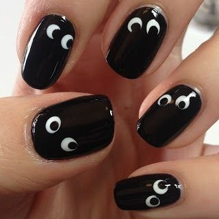 halloween nail art eyes black