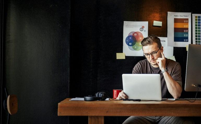 business   Skooldio Blog - what-is-hybrid-application