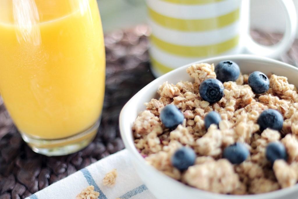 https://static.pexels.com/photos/4815/food-healthy-morning-cereals.jpg