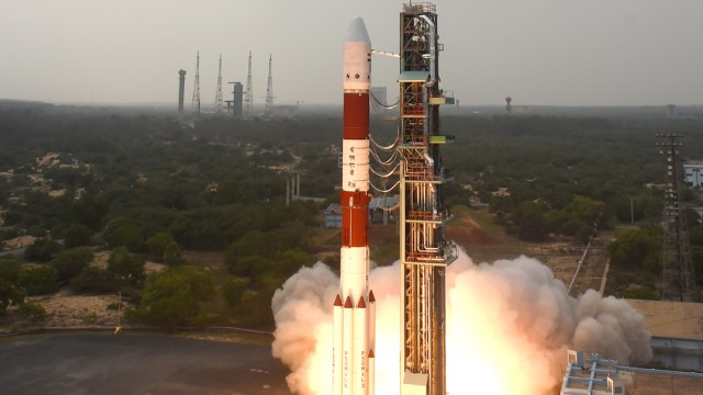 isro-pslv-c36-launch