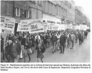 La foto è stata scattata a Modena nel 1974.