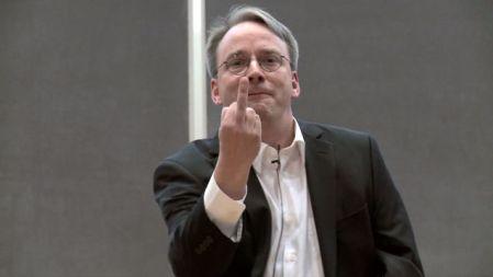 El creador de Linux se ríe de Skynet y los peligros de la IA
