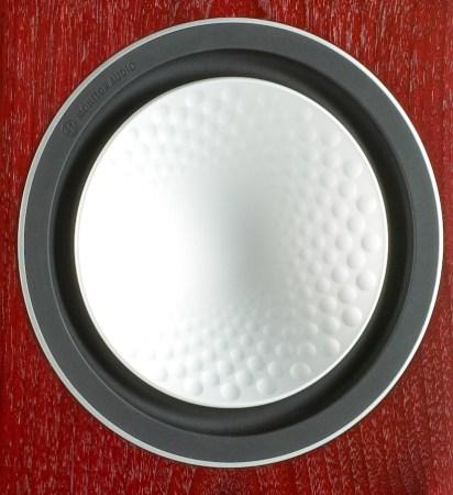 Les haut-parleurs Monitor Audio à membrane RST sont d'une rigidité exemplaire