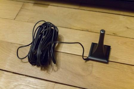Le microphone de calibration Audyssey du Denon AVR-X3000