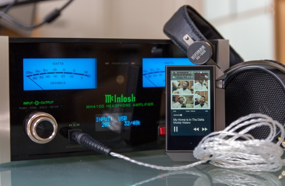 McIntosh MHA100 & Astell&Kern AK240