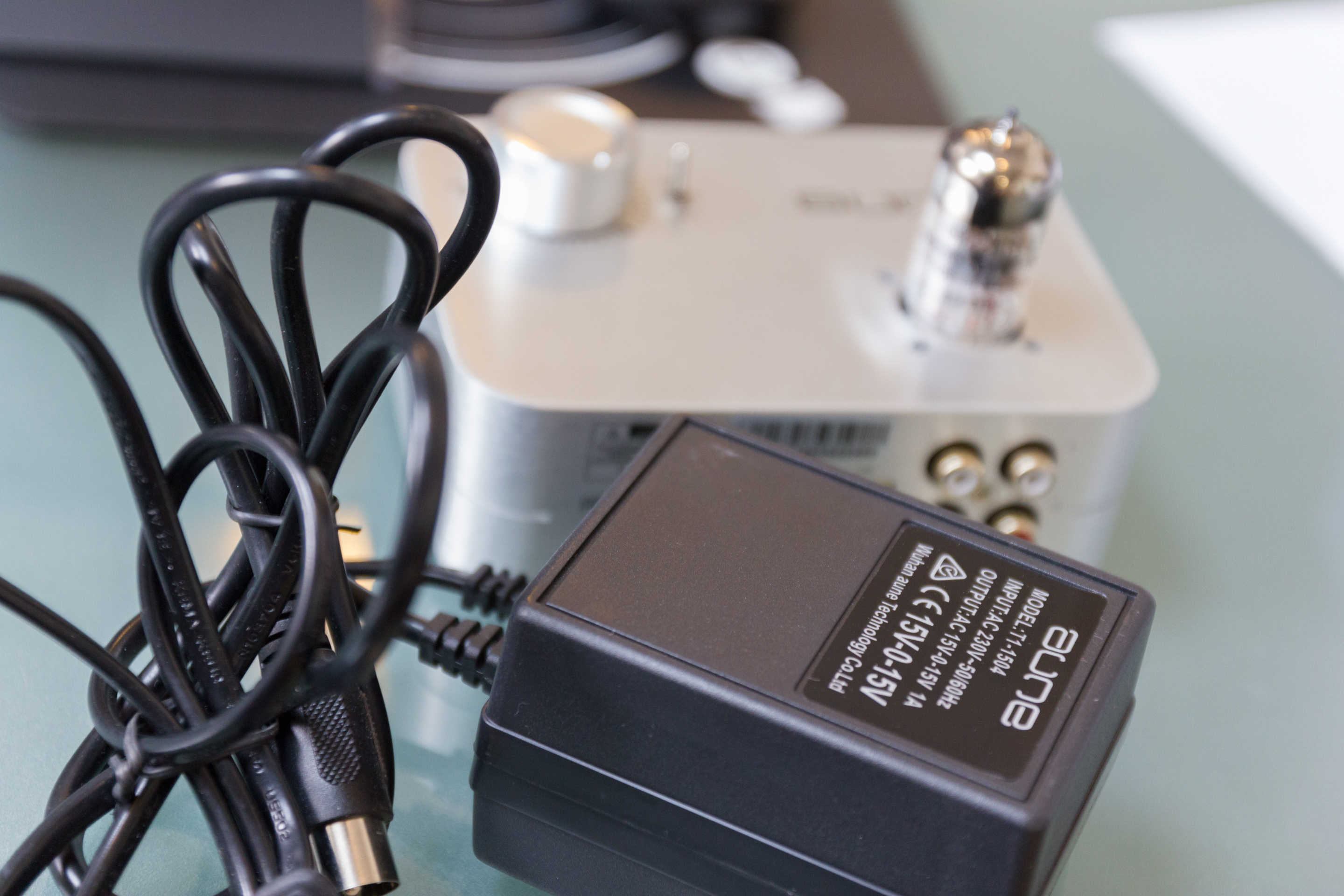 Review Aune T1 Mk2 B1 X1 Pro Dac And X2 Son Vidocom Power Supply 0 15v 1a The Comes With A Classic Bulky