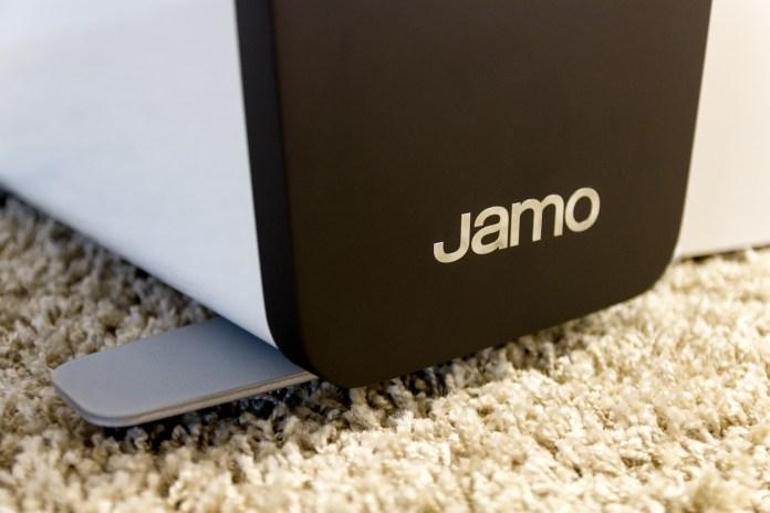 Jamo Concert C109