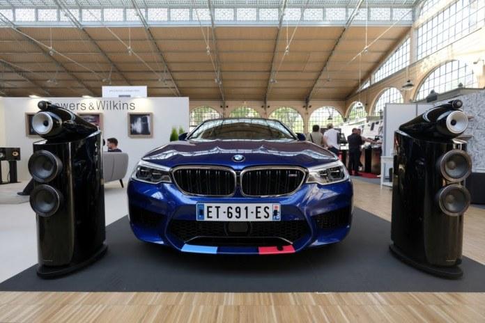 BMW M5 équipée de haut-parleurs Bowers & Wilkins