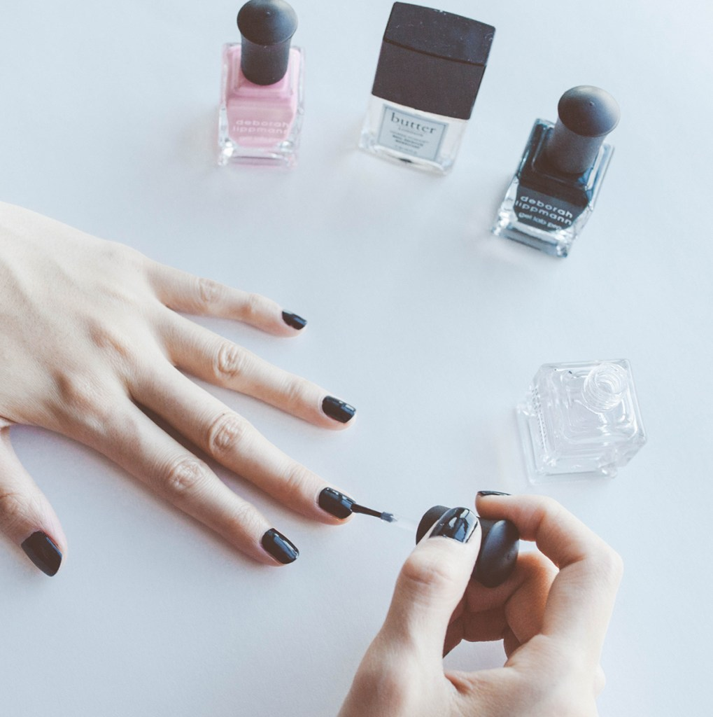 DIY Non-Toxic Gel Manicure - The Everyday Woman