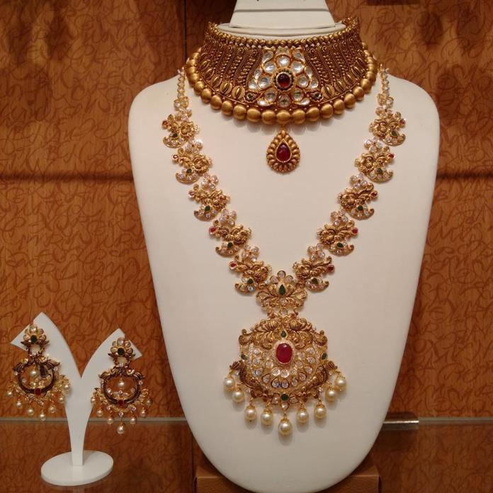 Magnificent Traditional Gold Jewellery Designs Pictures ...