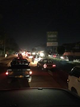 首都カンパラでは渋滞で30分動かないことも、車やバイクが急激に普及しているので仕方ないのですが、それにしても課題山積、故にチャンスも豊富