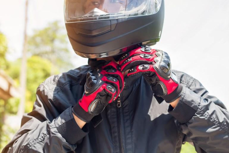 ¿Qué elementos usar en la protección para motociclistas?