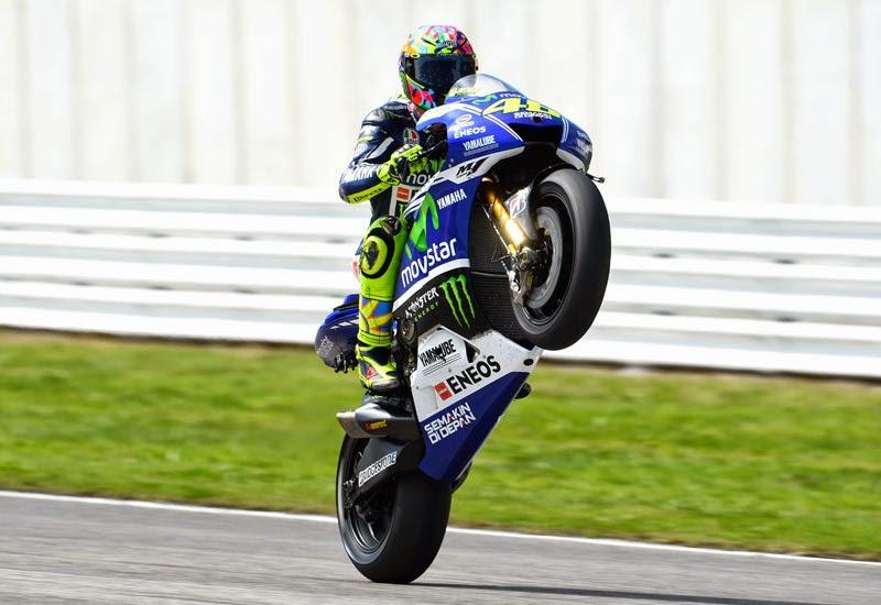 Rossi.wheelie.misano