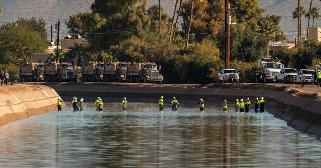 fish-herding-salt-river-project-canals
